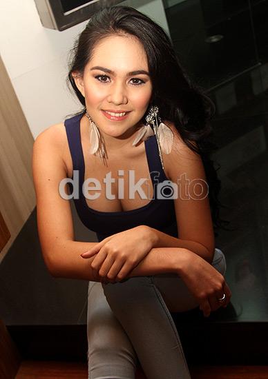Foto seksi sexy Kartika Putri tetek montok 2
