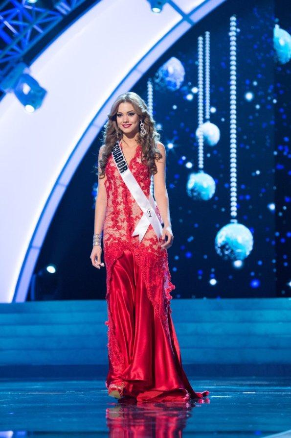 Miss Ecuador, Carolina Andrea Aguirre Perez pakai kebaya di miss universe 2012