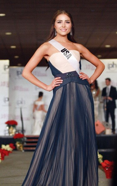Olivia Culpo di pembukaan malam final Miss Universe 2012.